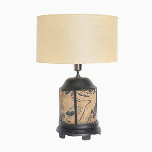 Lampada da tavolo antica in legno e tessuto dipinto a mano