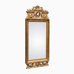 Espejo gustaviano antiguo con gema