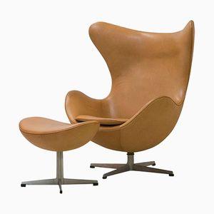 Egg Chair und Ottomane aus Cognacfarbenem Leder von Arne Jacobsen, 1964