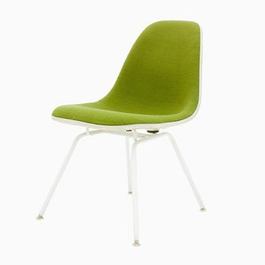 Chaise Vintage Verte par Charles & Ray Eames pour Vitra, 1950s