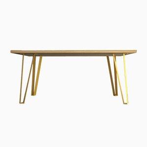 Mesa Victoria´s Table con patas amarillas de Studio Deusdara