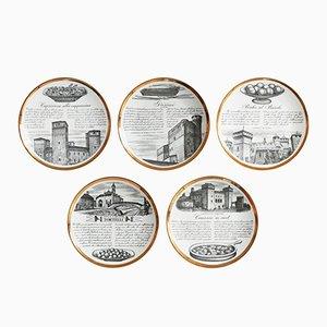 Platos Ricette d'Italia de cerámica blanca y dorada de Piero Fornasetti, años 60. Juego de 5