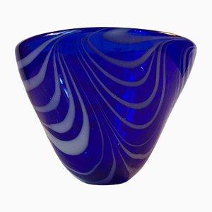 Cuenco modernista azul con decoración en espiral de Torben Jørgensen para Holmegaard, años 80