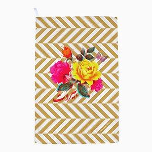 Torchon à Fleurs / Rayures Dorées par Rana Salam Studio