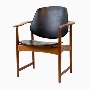 Mid-Century Armlehnstuhl aus Teakholz von Arne Hovmand Olsen, 1950er