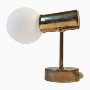 Modell V-149 Messing & Opalglas Wandlampe von Hans-Agne Jakobsson für Markaryd AB, 1950er