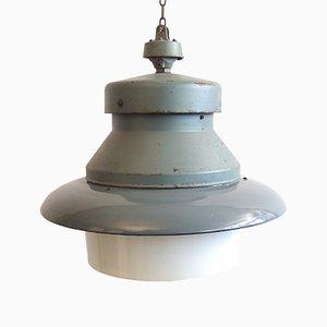 Große Industrielle Vintage Hängelampe aus Emaille & Opalglas in Grau