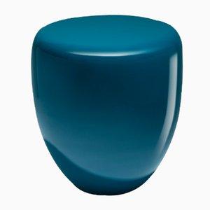 Mesa auxiliar o taburete Dot en azul pavo real de Reda Amalou