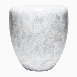 Table d'Appoint ou Tabouret en Blanc Coquille d'Oeuf par Reda Amalou