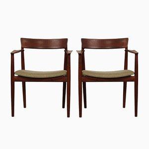 Armlehnstühle in Walnuss von Henry Rosengren Hansen für Brande Møbelindustri, 1960er, 2er Set