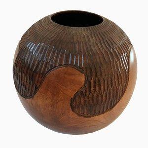 Jarrón vintage de madera tallada