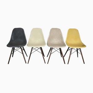 Vintage Glasfaser DSW Stühle von Charles & Ray Eames für Herman Miller, 4er Set