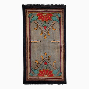Antique Handmade American Hooked Rug, 1900s