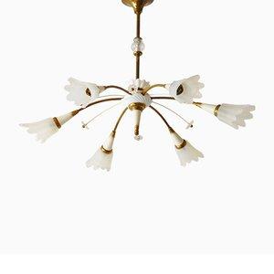 Lámpara de araña francesa Mid-Century de porcelana, latón y vidrio, años 50