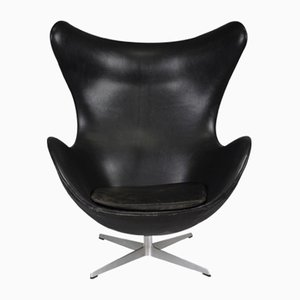 Egg chair in pelle di Arne Jacobsen per Fritz Hansen, anni '70