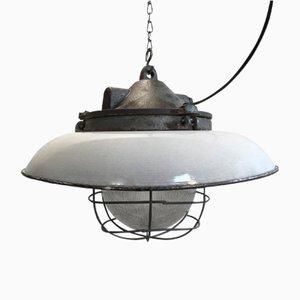 Lámpara colgante industrial Mid-Century de fábrica de hierro fundido, vidrio claro y esmalte blanco