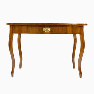 Antiker Schreibtisch mit Schublade und Furnier aus Nussholz