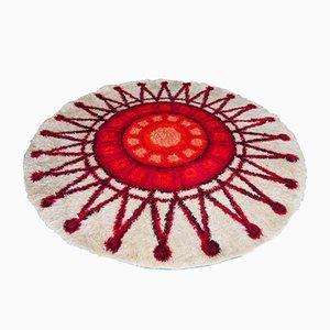 Tapis Circulaire à Poils Longs Rouge & Crème à Motifs de Soleil, 1960s