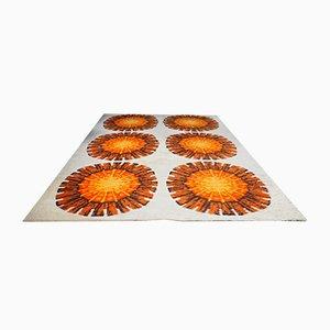 Tappeto grande a pelo lungo con fiori arancioni e color crema, anni '60