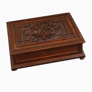Caja de madera austriaca antigua con monograma