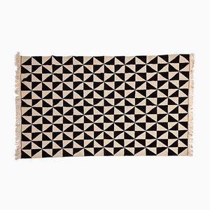 Tappeto Kilim bianco e nero con motivo geometrico, anni '60