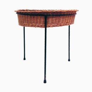 Tavolino con cesto intrecciato, anni '50