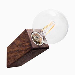 Lampada da parete Pirn in noce di Andrea Pregl per Ulap Design