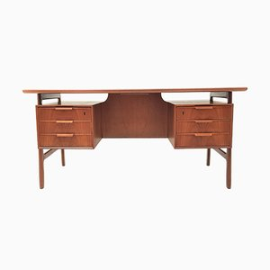 Mid-Century Model 75 Teak Desk from Omann Jun