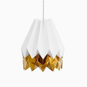 Polarweiße Origami Lampe mit Streifen in Warmem Gold von Orikomi