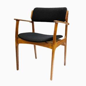 Dänischer Armlehnstuhl von Erik Buch für Odense Maskinsnedkeri, 1960er
