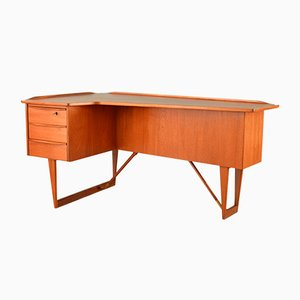 Teak Boomerang Desk by Peter Løvig Nielsen for Hedensted Møbelfabrik, 1960s