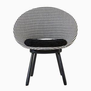 Sedia con fantasia geometrica e seduta in pelle di pecora, Svezia, anni '50