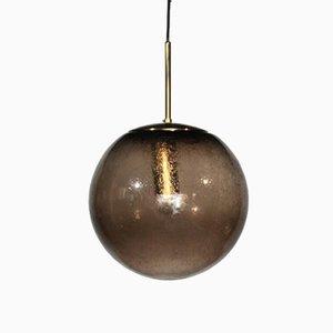 Lámpara colgante Mid-Century con esfera de vidrio y latón de Raak, años 60