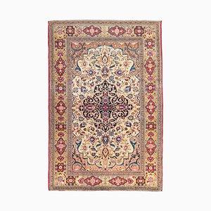 Antiker Teppich mir orientalischem Design auf Medaillon