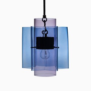 Lampe à Suspension en Forme d'Étoile Petrona en Verre Soufflé à la Bouche Violet et Bleu par par Fred&Juul
