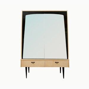 Mueble o cajonera chapada en abedul con puertas de espejo, años 50