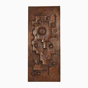 Panel de puerta o de pared brutalista grande de cobre martillado, años 60