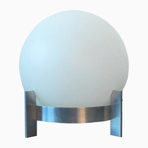 Lámpara Mid-Century grande de vidrio opalino con base de aluminio