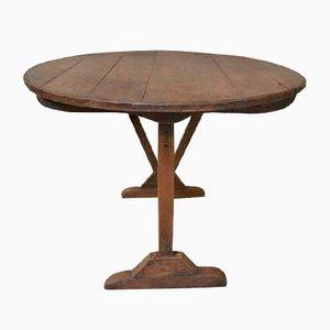 Mesa de cata de vino antigua de pino