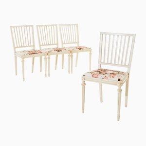 Gustavianische Vintage Stühle mit Schnitzereien , 4er Set