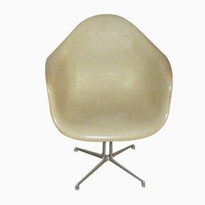 Sedia in fibra di vetro di Charles & Ray Eames per Vitra, 1965
