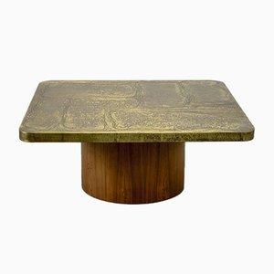 Handgearbeiteter quadratischer Tisch aus geätztem Messing mit Teak Sockel im brutalistischen Stil