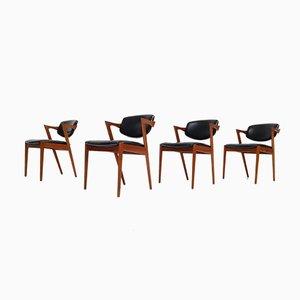 Sillas de comedor modelo 42 de cuero y teca de Kai Kristiansen para Schou Andersen, años 60. Juego de 4