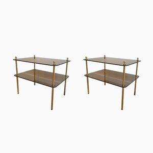 Mesas auxiliares de latón y vidrio ahumado, años 60. Juego de 2