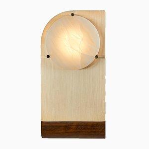 Aplique Polifemo de latón cepillado, alabastro y madera mongoy de Silvio Mondino Studio