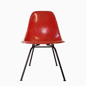 Niedriger roter Beistellstuhl von Charles & Ray Eames für Herman Miller, 1960er