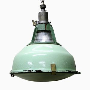 Lampe à Suspension Industrielle Vintage Verte Émaillé avec Verre, 1950s