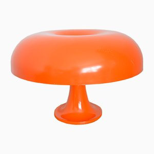 Lámpara de mesa modelo Nesso en naranja de Giancarlo Mattioli para Artemide, años 60