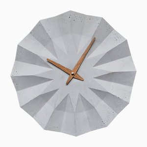 Reloj de pared Polygon de Adam Molnar para MOHA design, 2015