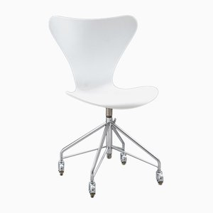 Vintage 3117 Model Series 7 Desk Chair by Arne Jacobsen for Fritz Hansen